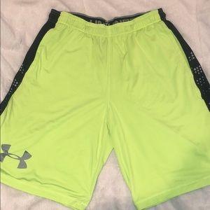 Men's Under Armour Shorts - Size Large